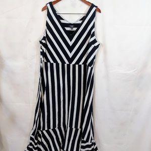 Chaps navy blue & white sleeveless maxi dress